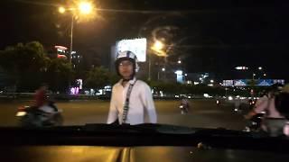 Thanh niên đi ngược chiều hổ báo tuyên bố về luật giao thông!