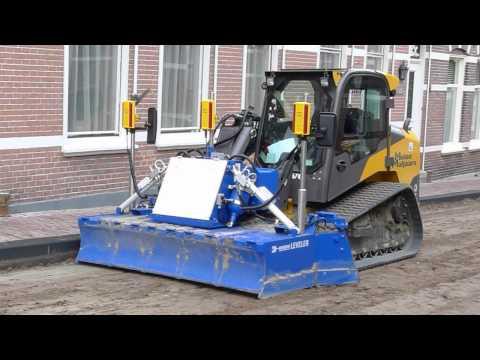 2 - Unieke Mekos / MCS Leveler voor vlak en tonrond leggen van zandbanen. ( patent )