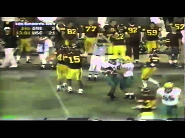 Oregon punter throws to TE AJ Jelks on a fake punt vs. USC 10-25-1997