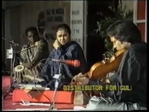 NAYYARA NOOR - Aye Jazba E Dil Ghar Main Chahon - Ghazal - Live...
