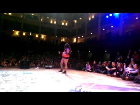 STREETSTAR 2015 VOGUE FEMME 1/2 final - Veronika Zorra vs Lasseindra Ninja (win)
