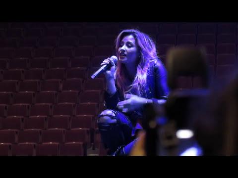 Demi Lovato Believe In Me Vancouver BC Neon Lights Tour 2014
