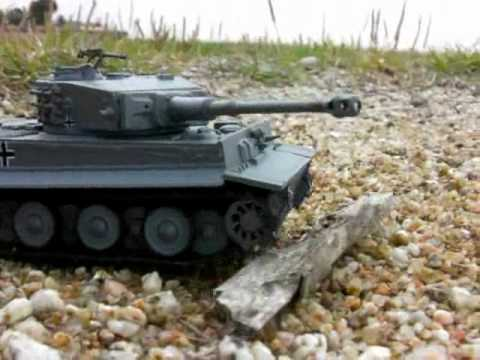 Panzer Tiger vs Sherman Tank