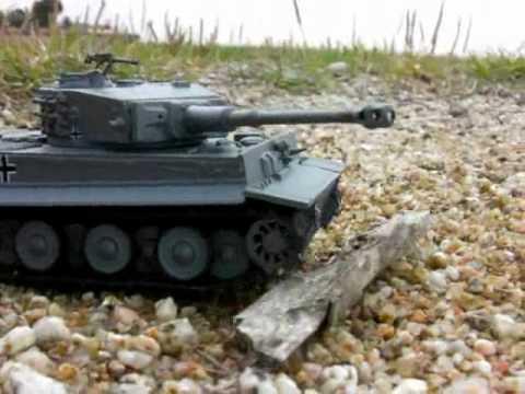 Panzer Tiger vs Sherman Tank
