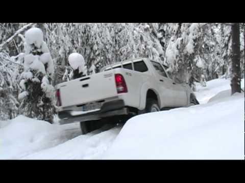 Toyota HiLux зимой в Финляндии