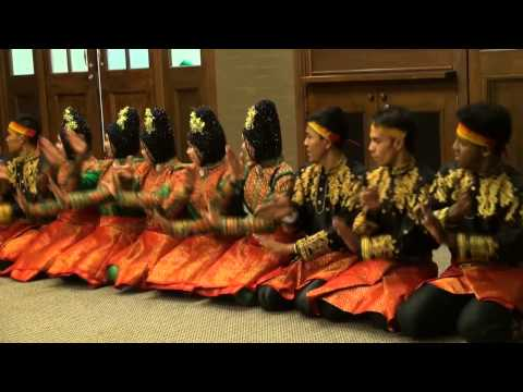 Saman Dance from Aceh at Sidney University Australia