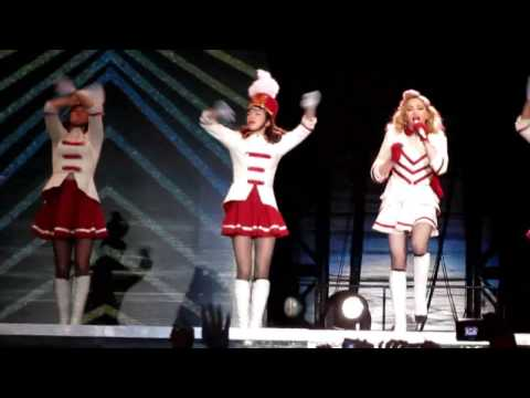 "MDNA Tour Chile. ""Express Yourself"". Santiago de Chile 19.12.2012.wmv"