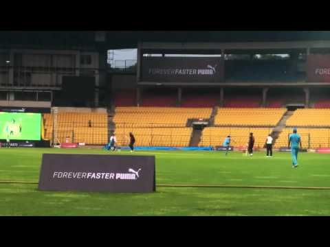 Usain Bolt Hitting Yuvraj Singh For A Huge Six video