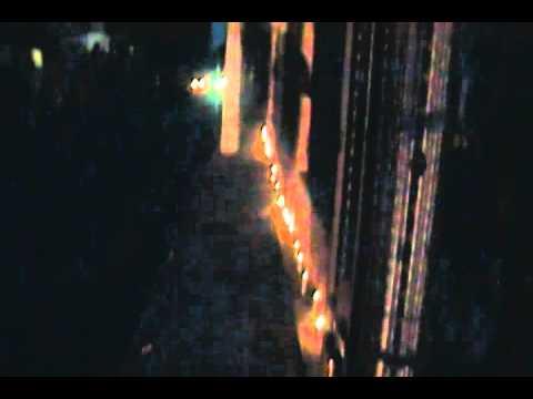 JOVENES ENCIENDEN VELAS EN PROTESTA POR DESCUIDO DEL PARQUE SAN LUIS POR SINDICO RODOLFO VALERA
