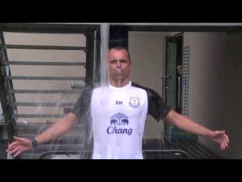 Roberto Martinez takes on the #IceBucketChallenge