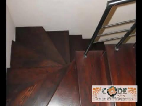 Escaleras de madera y piso laminado