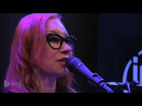 Tori Amos - Silent All These Years (Bing Lounge)