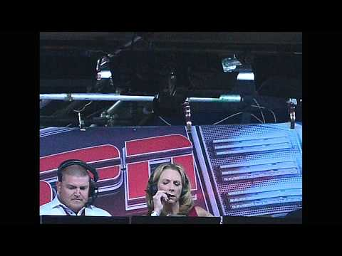Beth Mowins Describes Her First NFL Play-By-Play Broadcast