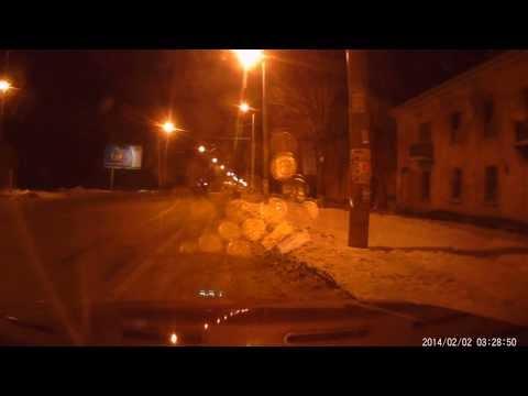 Бешенный Логан !!!! (Авария 2014-02-02 Челябинск 03:30 ч.)