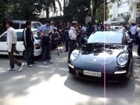 cars in delhi.mp4
