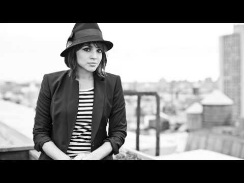 Norah Jones - The Grass Is Blue