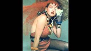 Watch Cyndi Lauper La Vie En Rose video