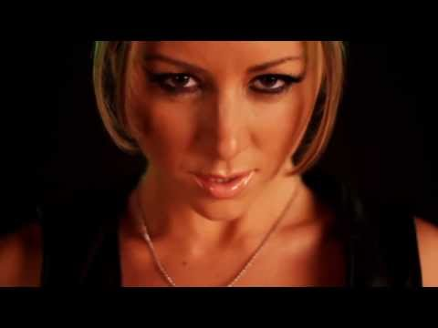 Mortal Kombat 9 - Sexy Sonya Blade Cosplay (carly Baker) Hd video