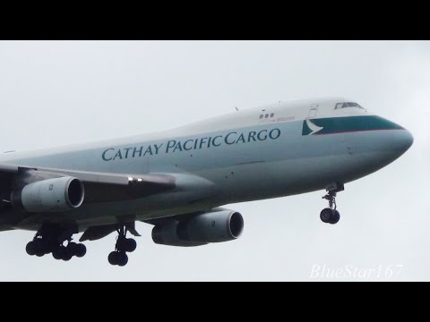 Cathay Pacific Airways Cargo Boeing 747-400F (B-HUO) landing at AMS/EHAM (Amsterdam Schiphol) 18R
