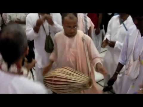 Iskcon Chennai Narasimha Caturdasi Video Clips -2013 Sandya Arati video