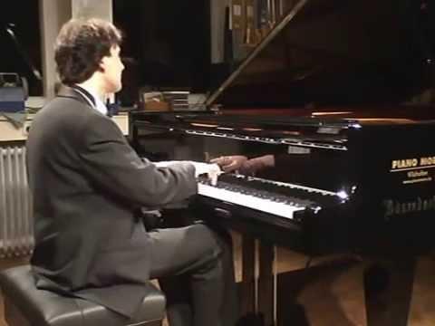 W. A. Mozart | Piano Sonata No. 14 in C minor, K 457: I. Molto allegro (1/3)