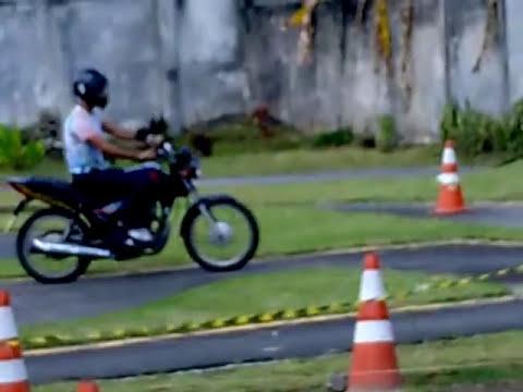 Prova de Moto no Detran-BA... Erlon Aprovado!!!!
