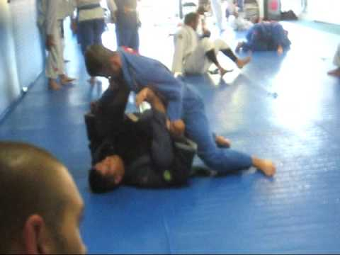 Draculino Gracie Barra Advanced Class Spider Guard Training Image 1