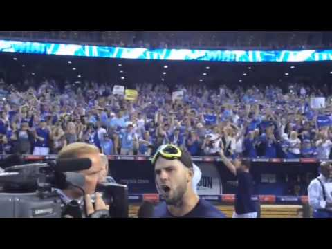 Raw video: Royals celebrate on field with fans