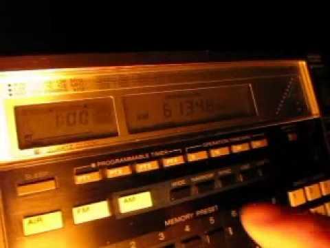 Radio Santa Cruz 6135 kHz received in Germany on Sony ICF-2001D