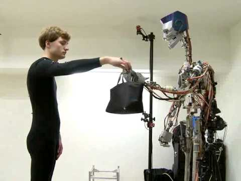 Science & Technology: Synthesizing Object Receiving Motions of Humanoid Robots with Human Motion Database