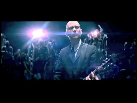 Moby 'Lift Me Up' - Evan Bernard version