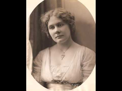 American Soprano Florence MacBeth ~ Io son Titania (c.1921)