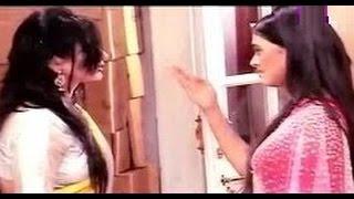 Swaragini 16th May 2016 Ragini Slaps Parineeta