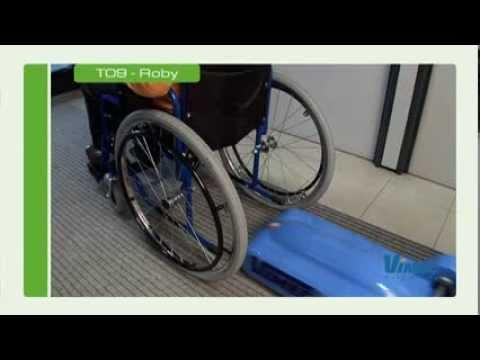 montascale a cingoli per carrozzine disabili mod t09 youtube