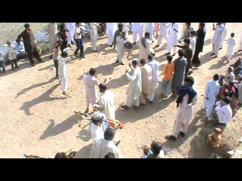 Hindko dance kumhar on wedding of waqar khan july 2011 patheri...