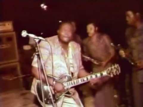 Franco on guitar live in Abidjan, 1980.