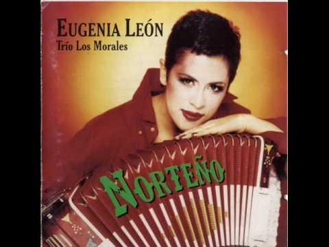 Eugenia León y Los Morales Solicitando parcela