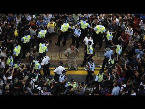More police to be sent to Hong Kong protest areas