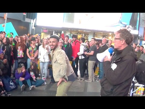 Twerking In Middle Of Times Square! video