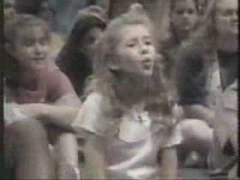Christina Aguilera and Ryan Gosling- MMC Days Video