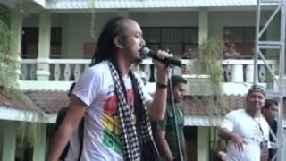 Download Lagu Ras Muhamad Membuka Ikatan Rambutnya! (SCREAMAZIONS #42) Gratis STAFABAND