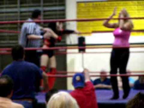 Veronica Fairchild vs Su Yung in Hohenwald, TN Video