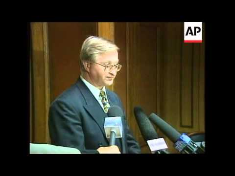 RUSSIA: POLITICAL OPPONENTS OF YELTSIN CRITICISE HIS PERFORMANCE