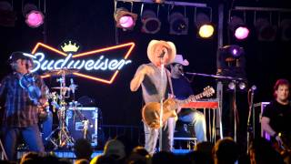 Watch Kevin Fowler Girl In A Truck video