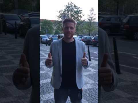 Радослав Ковач поздравляет Спартак с чемпионством