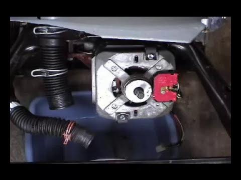 La bomba de agua en una lavadora Whirlpool con transmisión directa