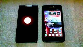Boot Motorola RAZR Vs. Samsung Galaxy SII