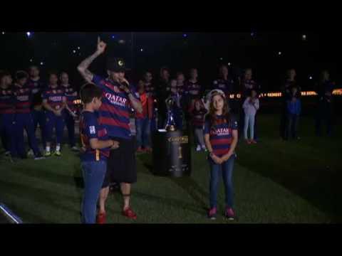 Dani Alves se acuerda de Xavi Hernández en su discurso