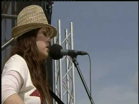 Thumbnail of video Amy McDonald-Dancin' In The Dark-T in the Park 2008