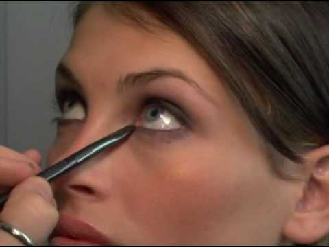 Beau Nelson's Essential Make-Up Tips: Easy Smokey Eyes